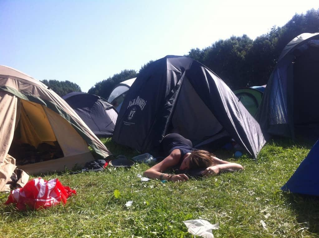 LL2012 Uit de tent, brak