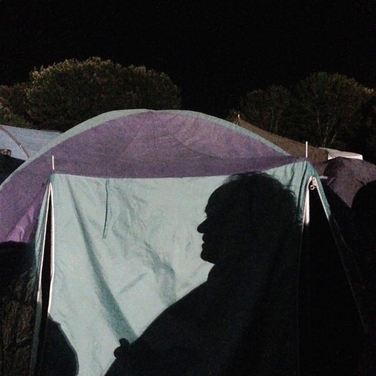 Chillen bij de tent